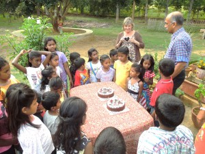 Manoj is a favorite at Jeevarathni and explains that the visitors brought the chocolate cakes to celebrate four birthdays among them.