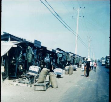 danang-road-shops_0